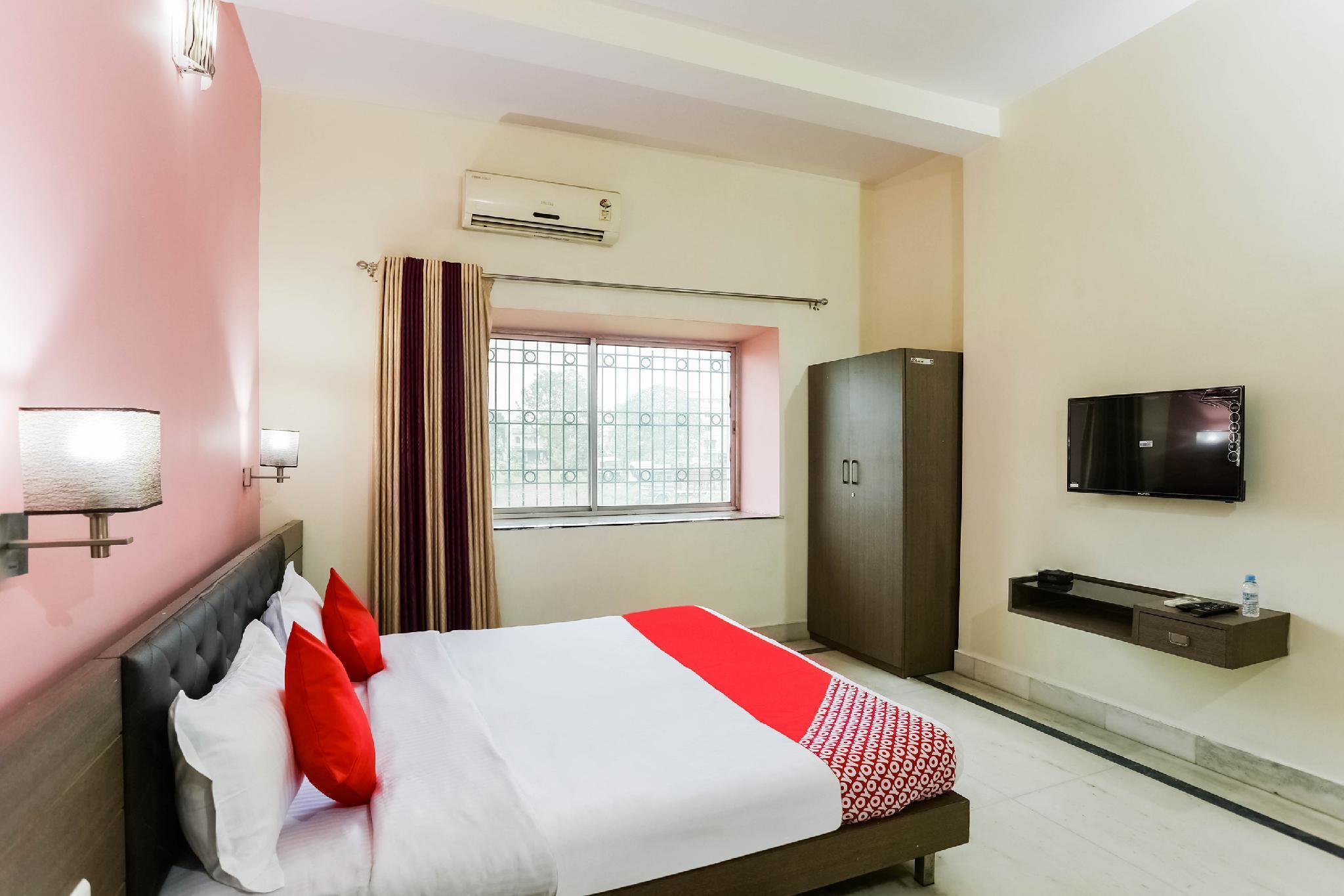 OYO 46955 Hotel Athithya Plaza