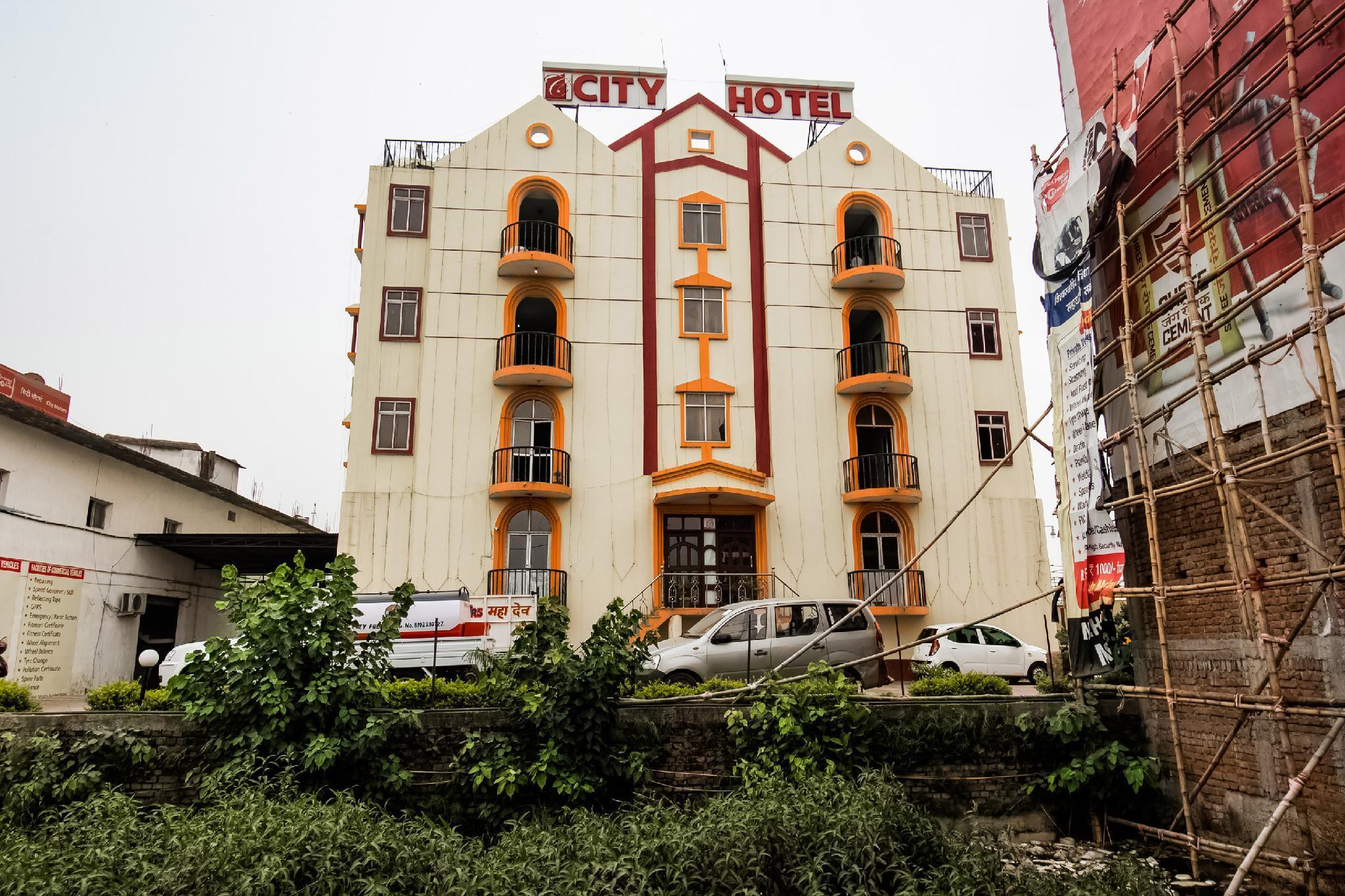 OYO 44320 City Hotel