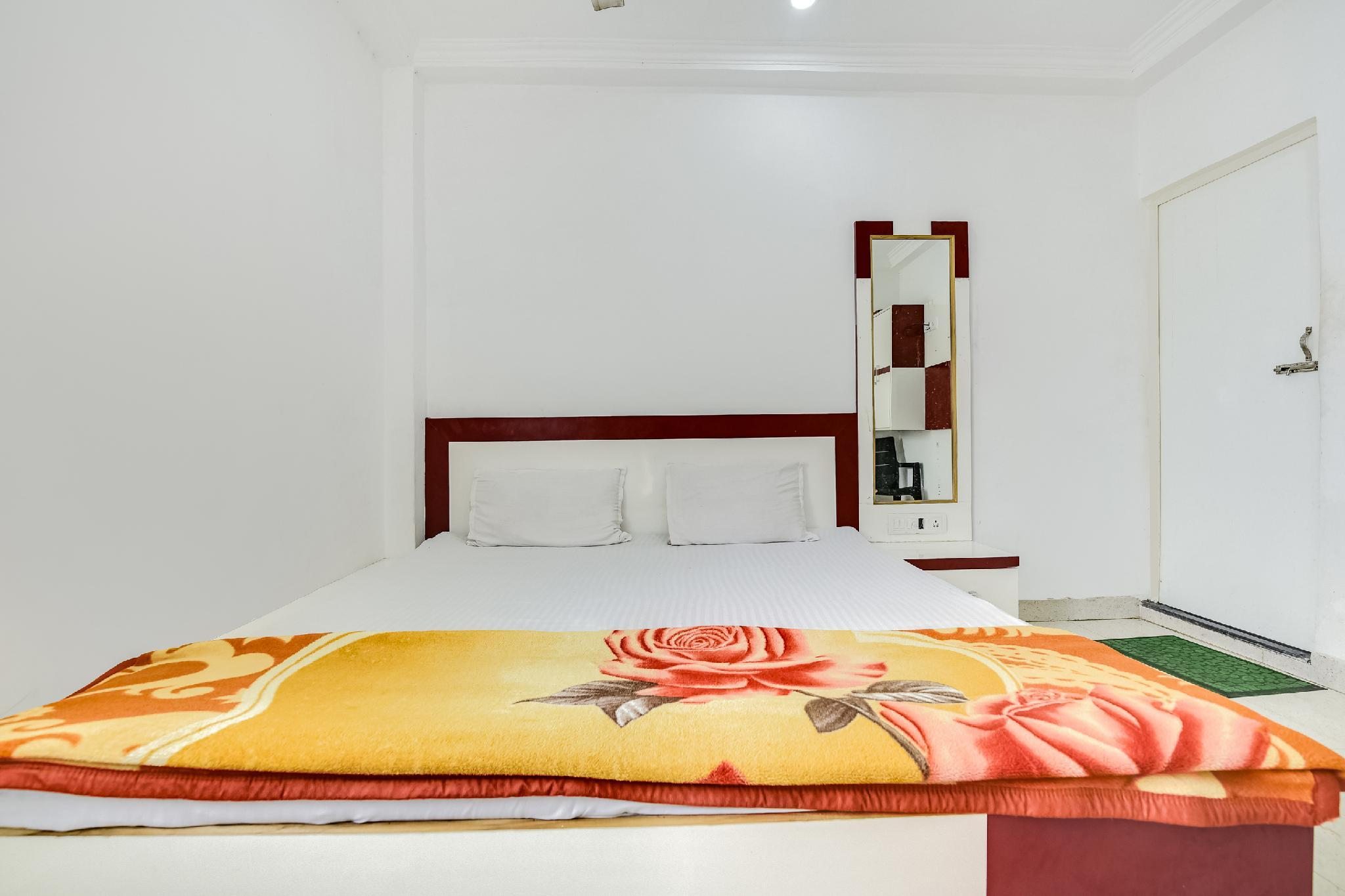 SPOT ON 60281 Ganges Top Guest House