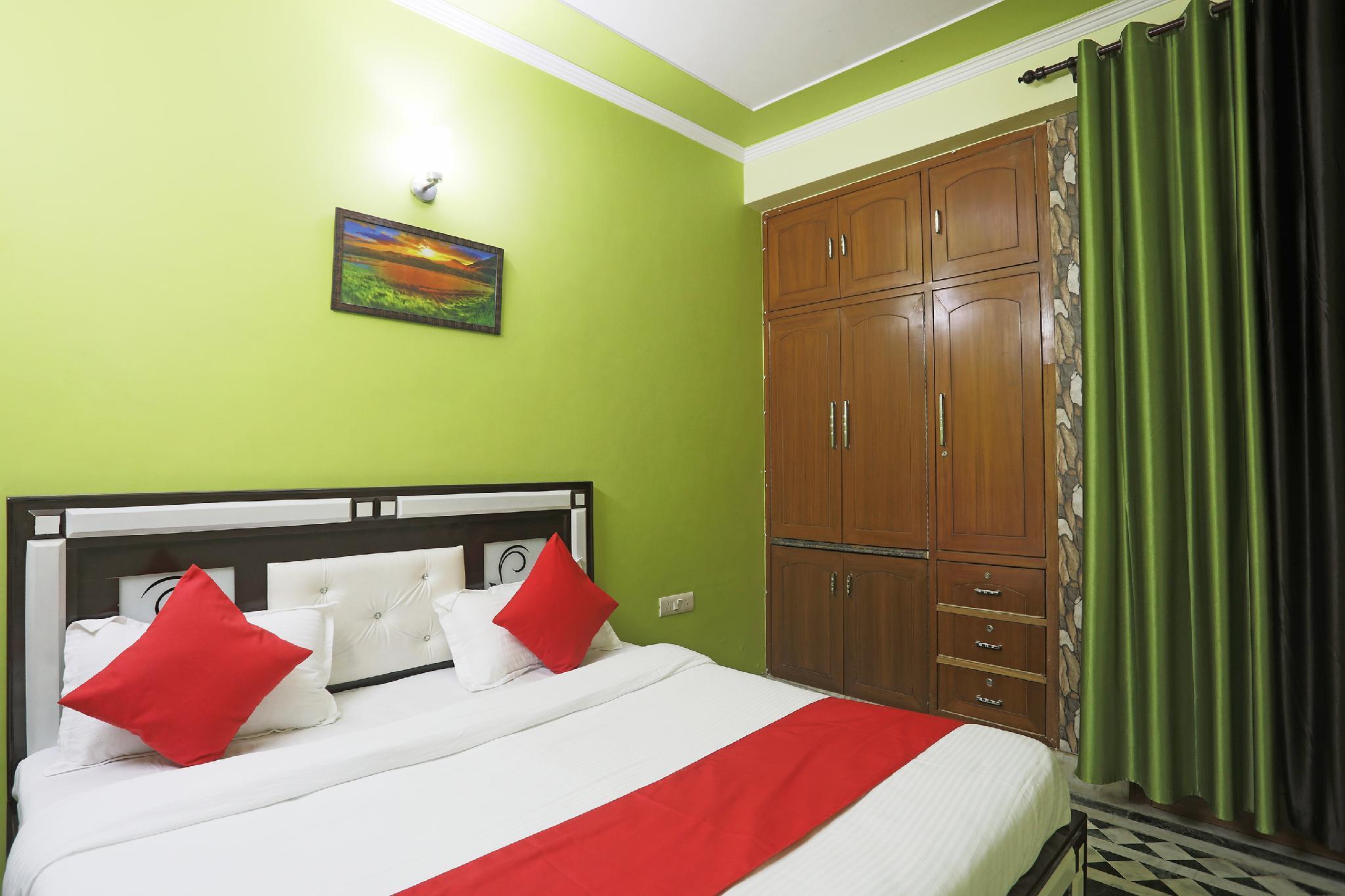 OYO 46228 Green House Palace