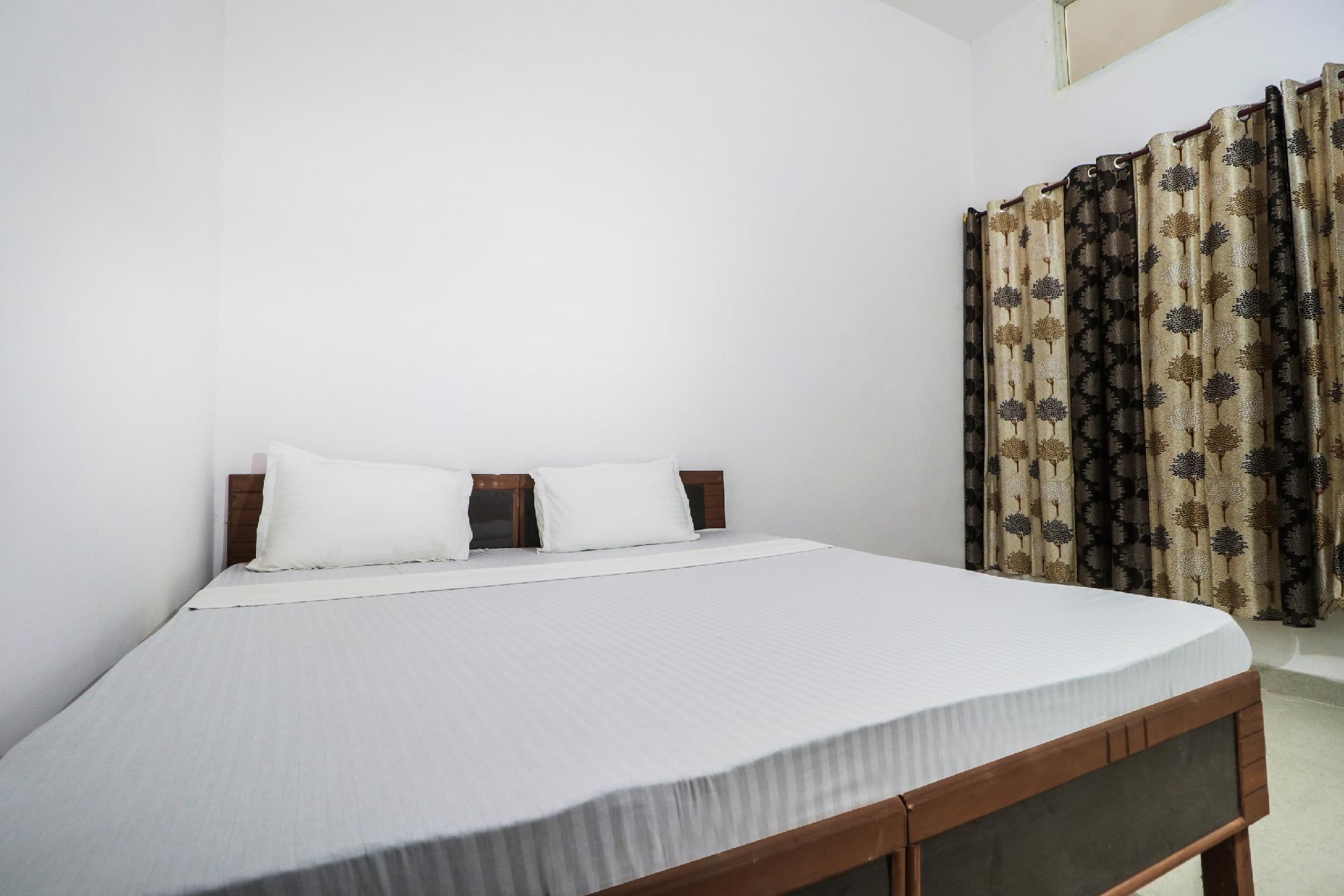 SPOT ON 47436 Motel Vishesh