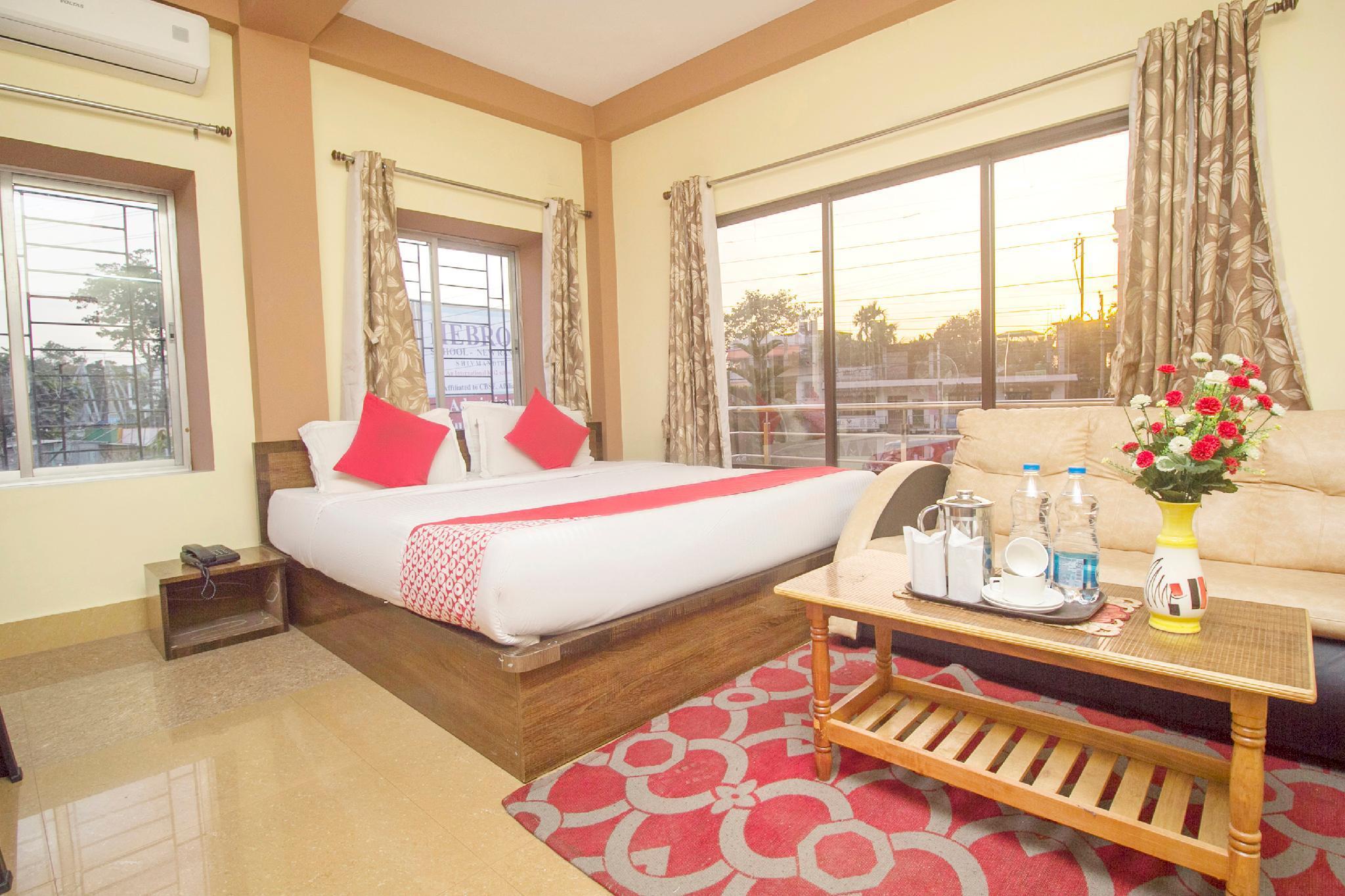 OYO 45439 Hotel Nakshatra Inn