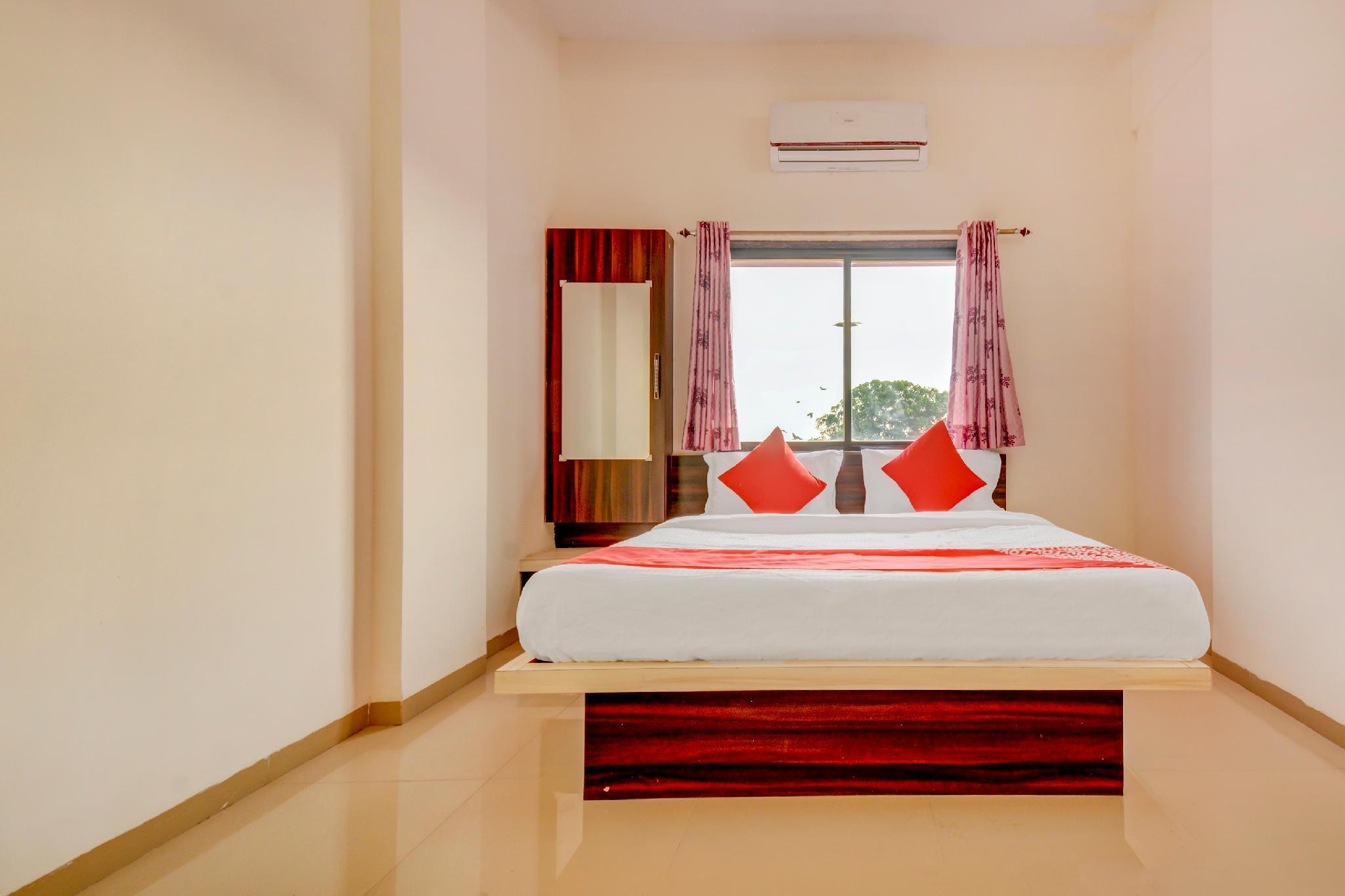 OYO 60807 Hotel Archana