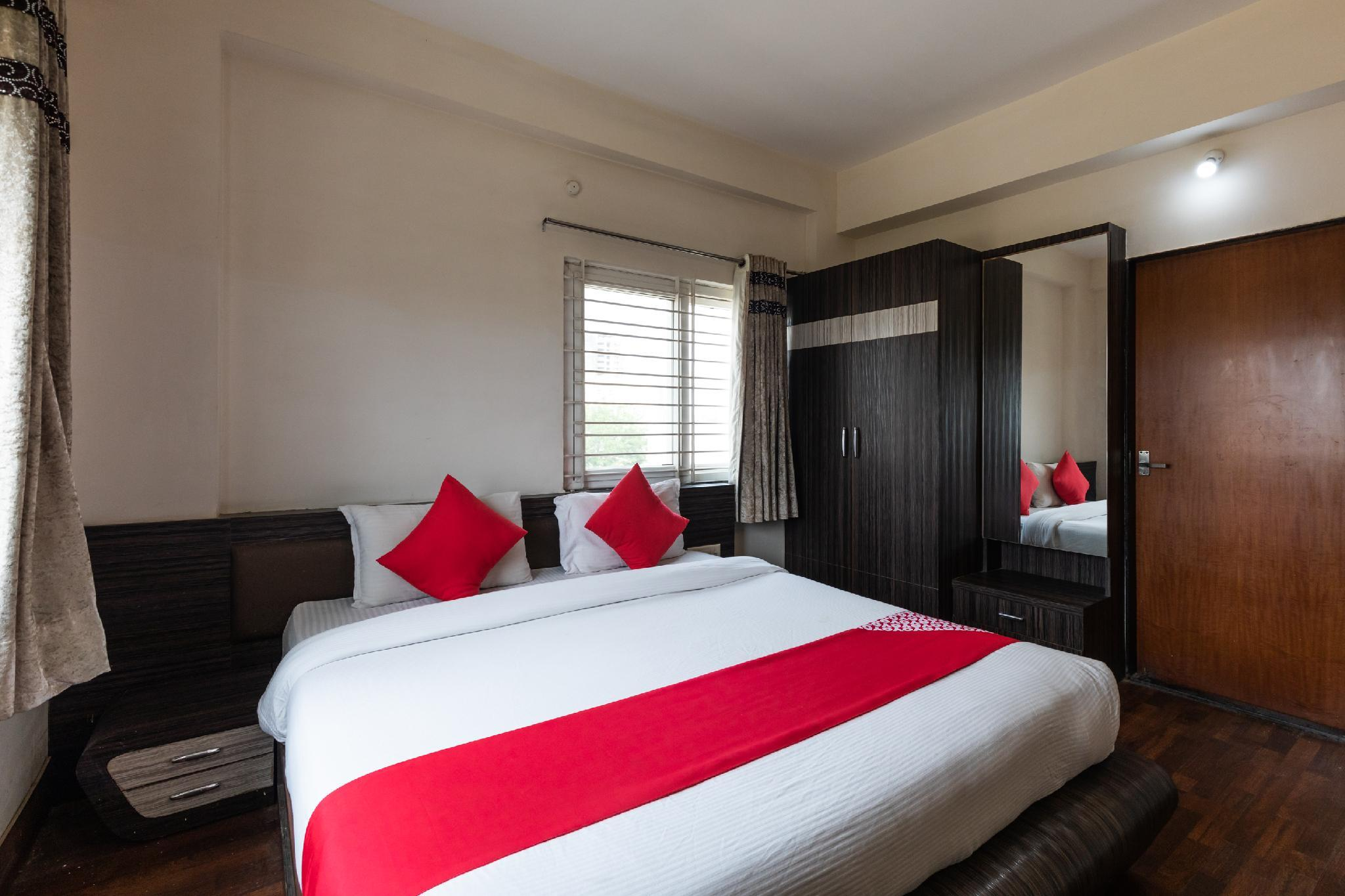 Collection O 45764 Flagship Hotel Smriti Grand