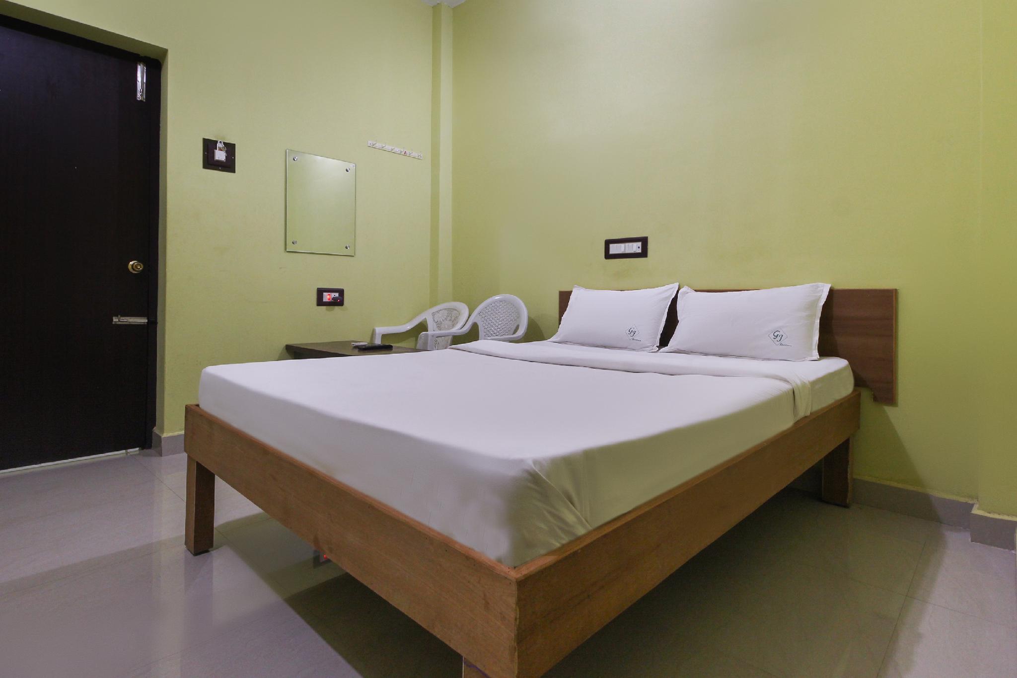 SPOT ON 49782 Gj Residency