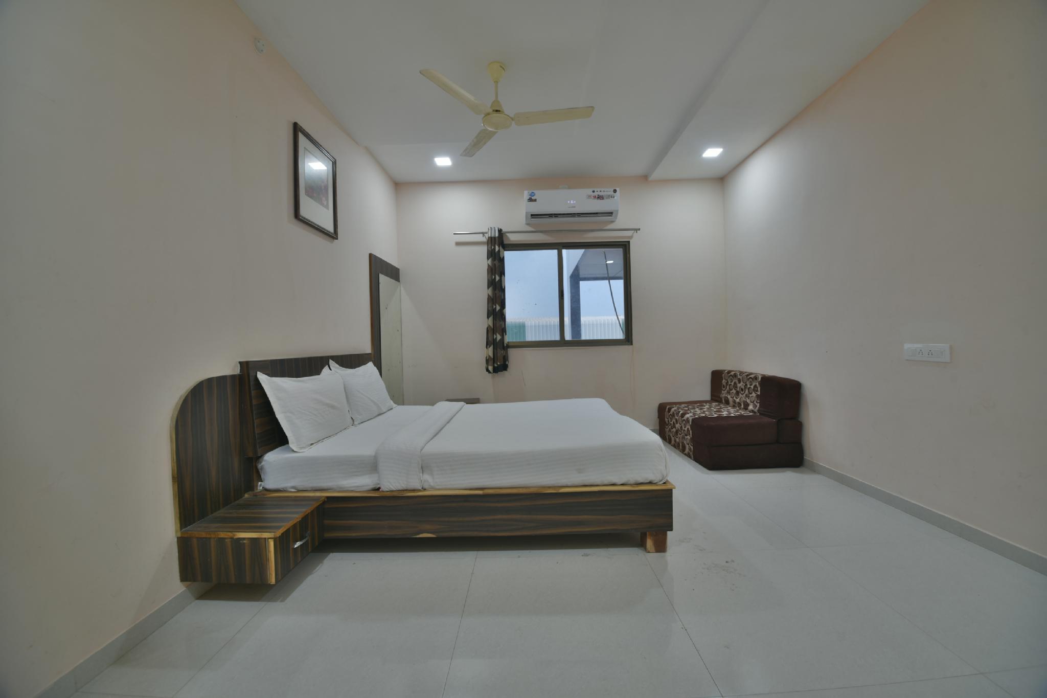SPOT ON 43460 Kanchan Resort