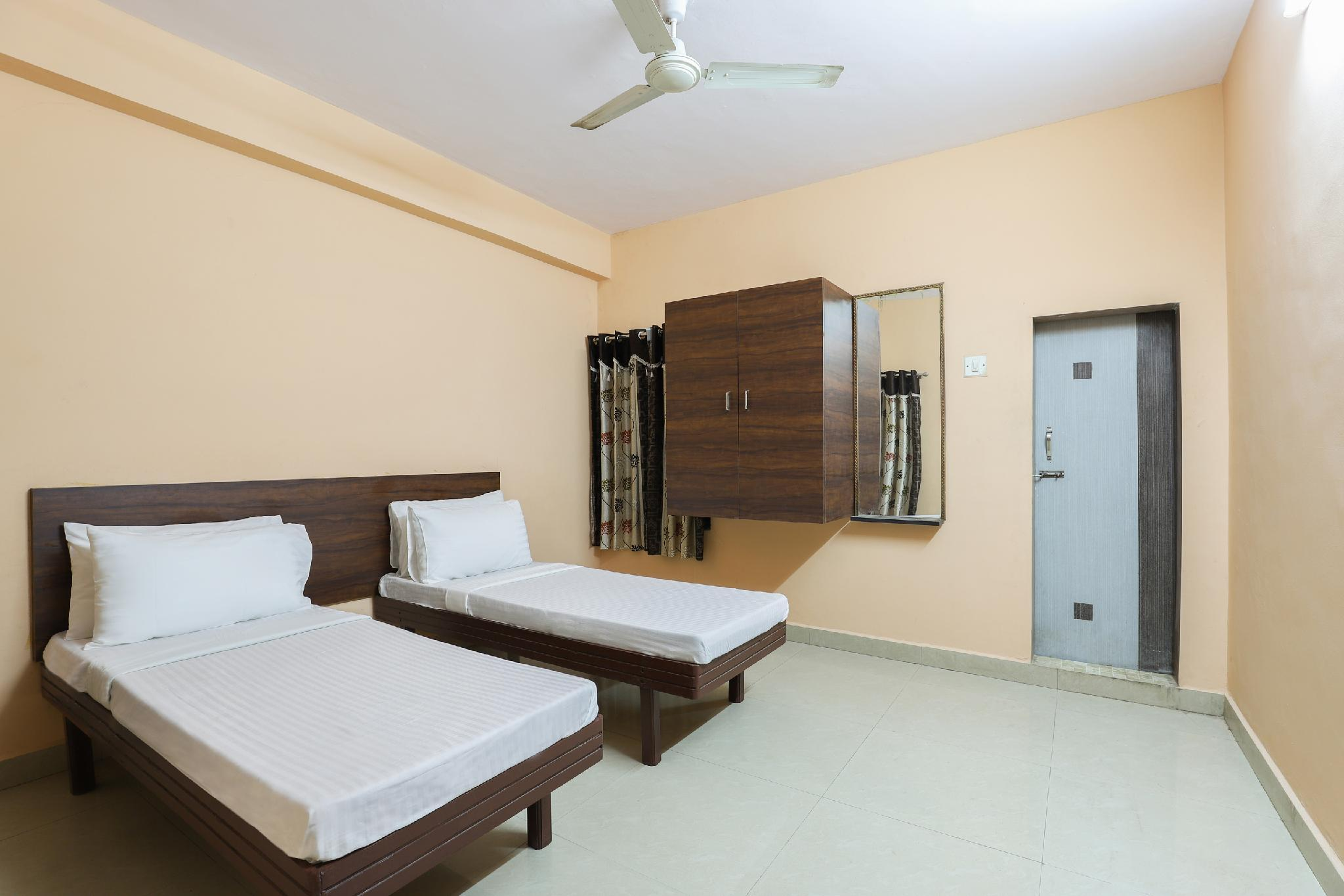 SPOT ON 47782 Hotel Jay Kishan