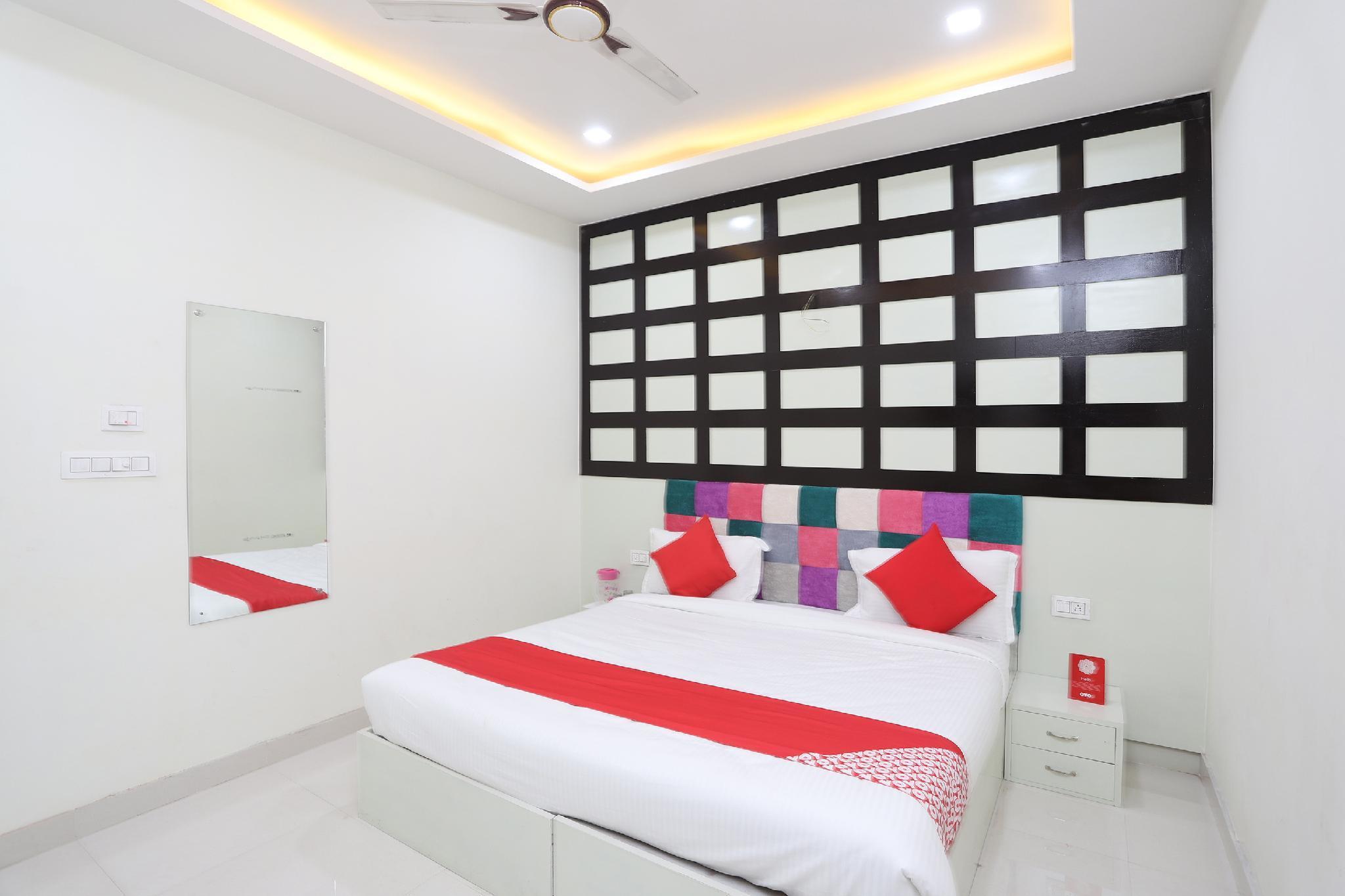 OYO 42766 Hotel Laxmi Inn