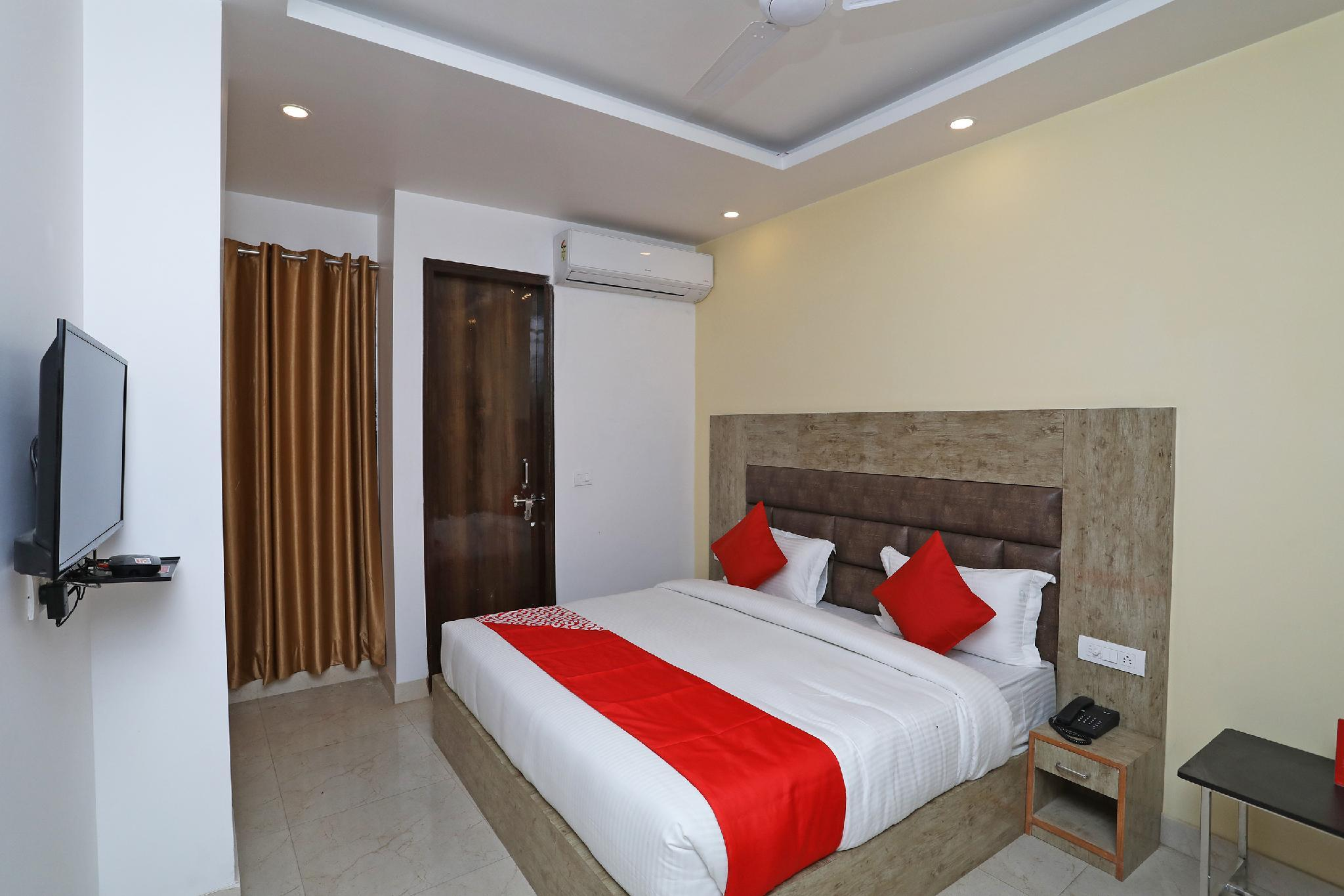 OYO 43840 Ideal Hotel And Restaurant
