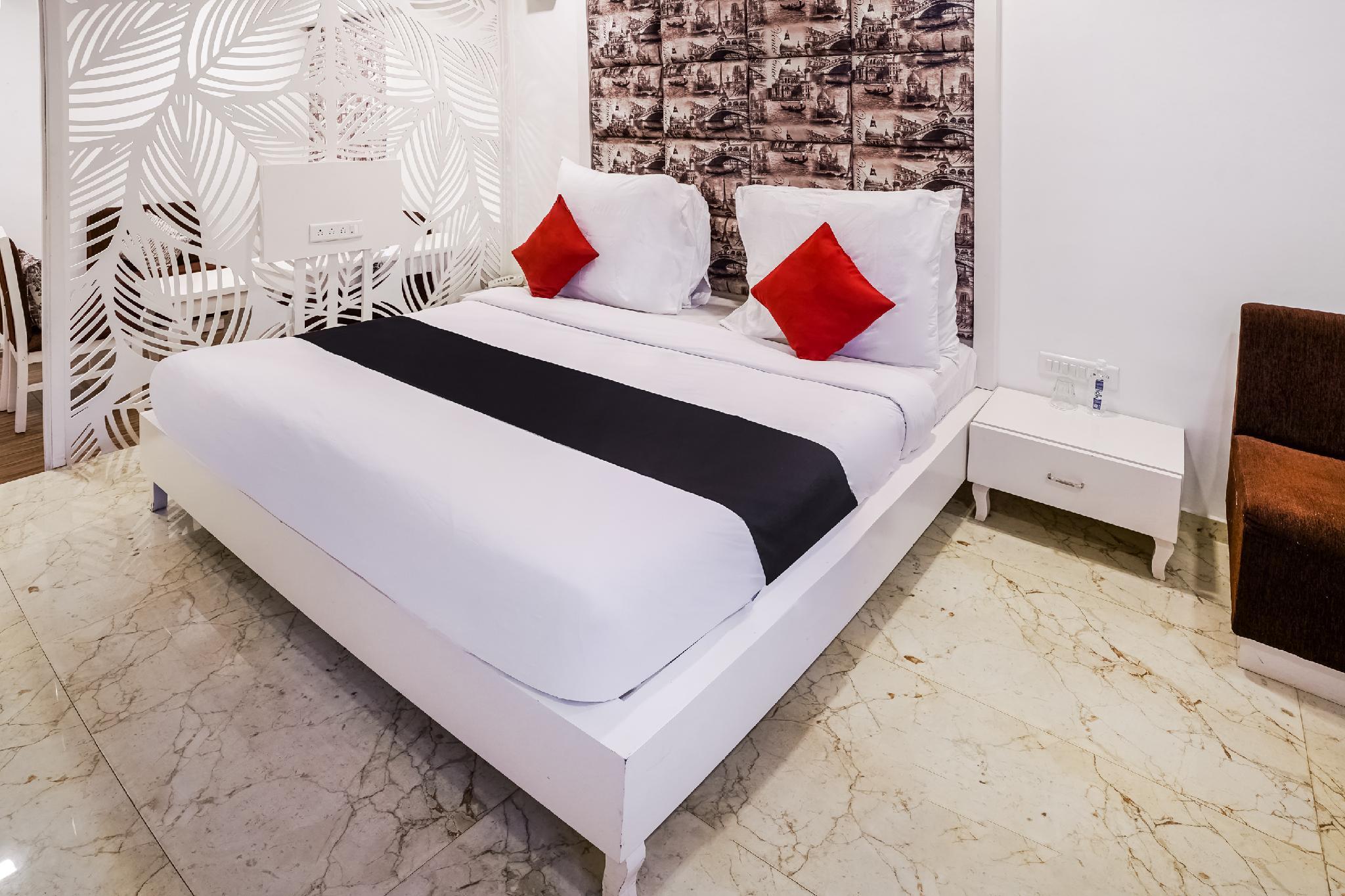 Capital O 48482 Hotel Tribecca Inn