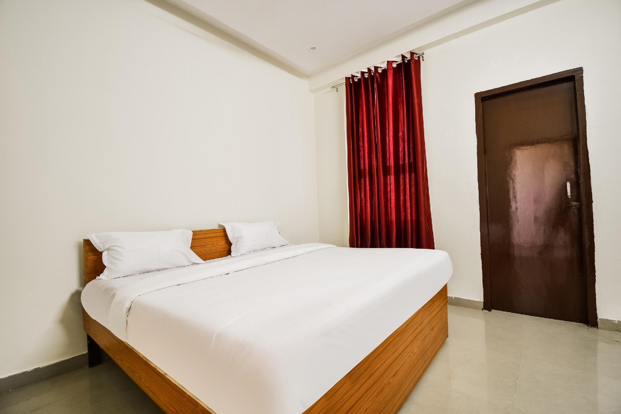 SPOT ON 45898 Hotel Raj Niwas Inn