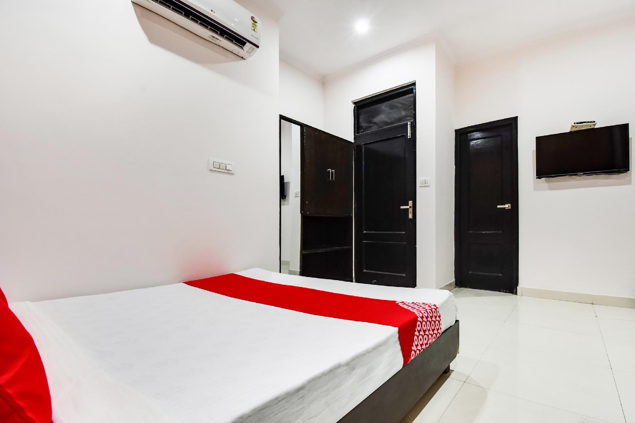 OYO 60618 Hotel Ab