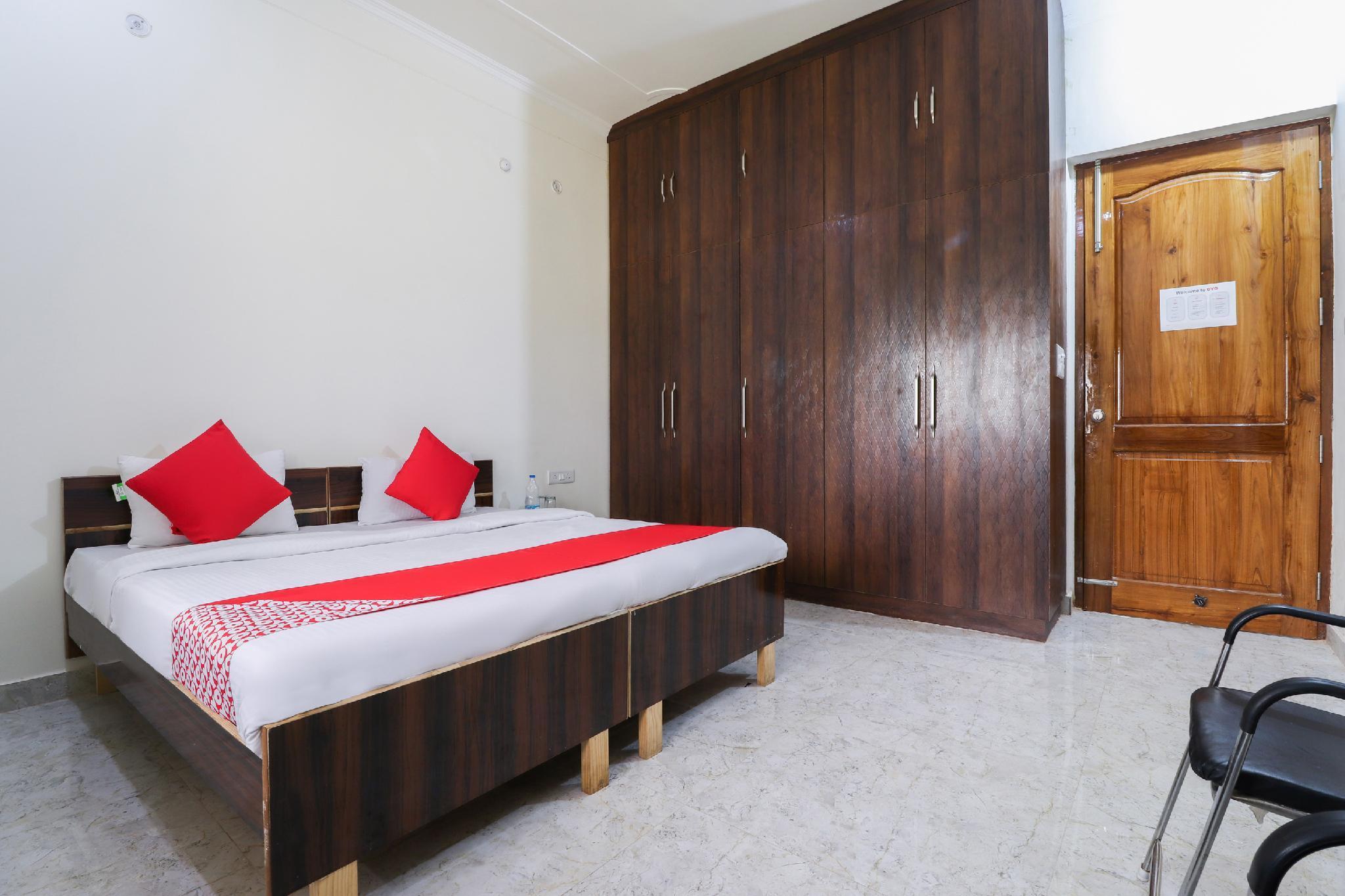 OYO 46216 Raj Inn Ansal