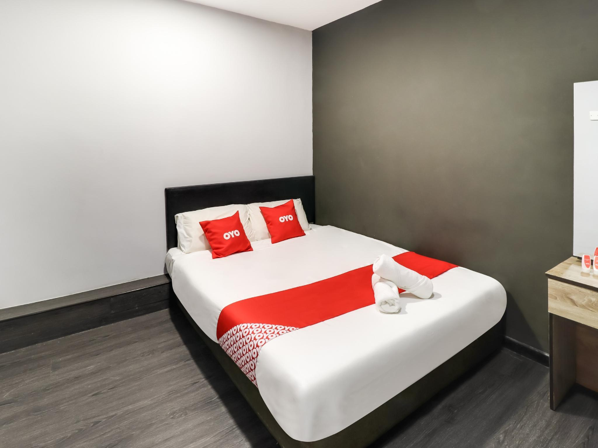 OYO 89381 Moonnight Hotel