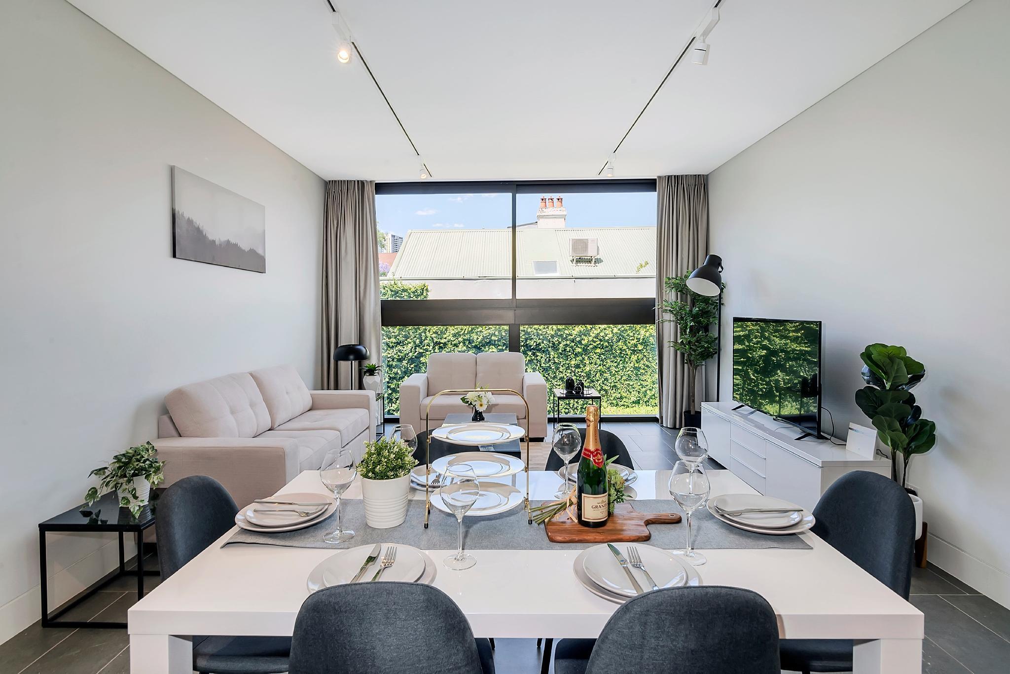 SYD CBD Luxury Modern Home  Free Parking