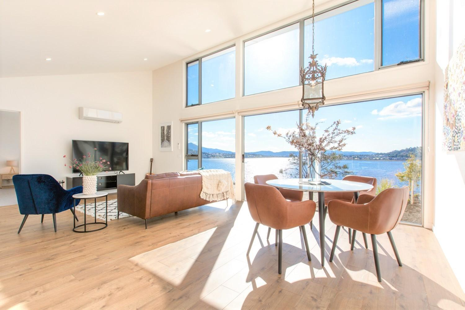 No.9 Northshore Waterfront House Inside Golf Club