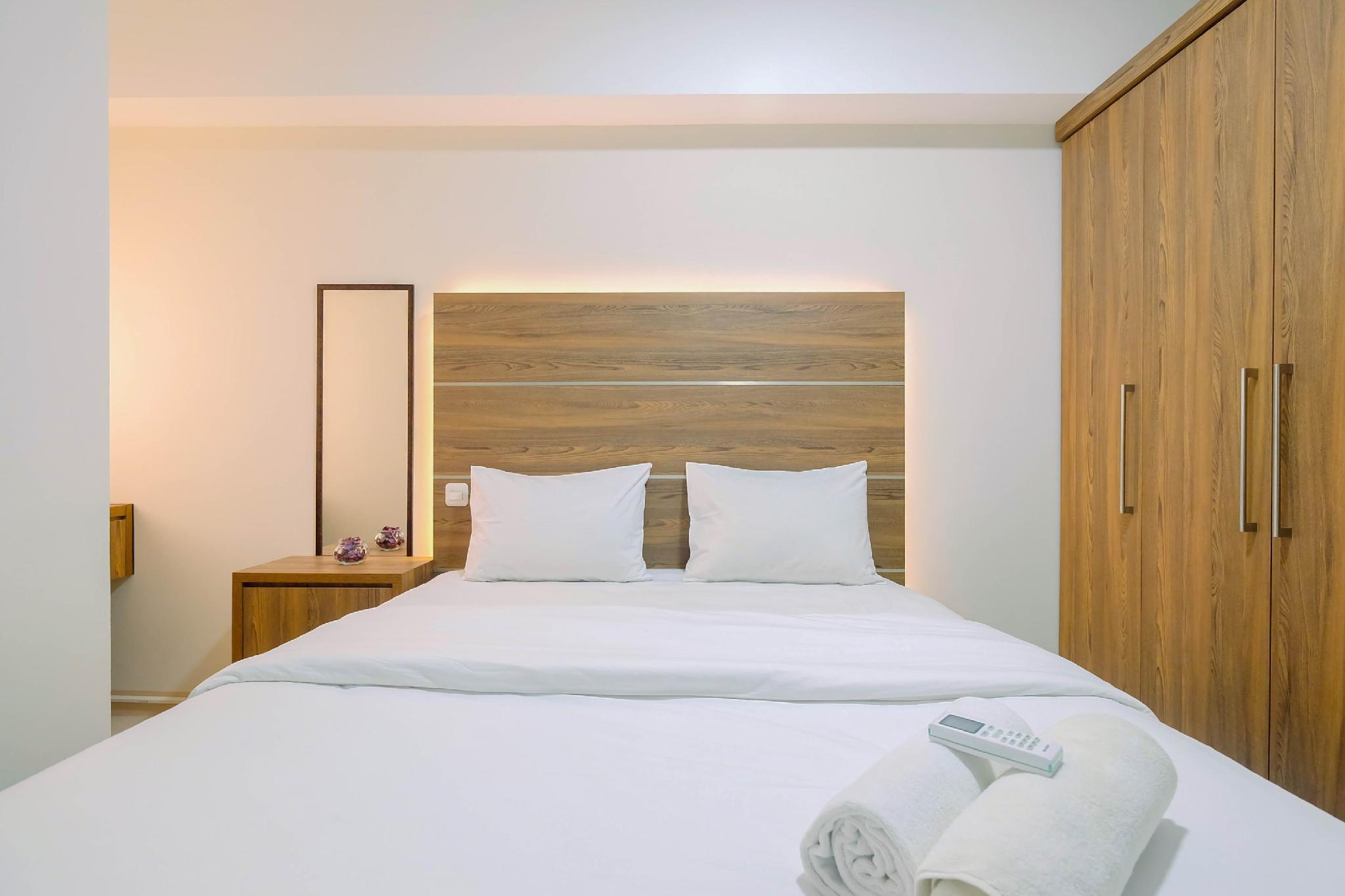 Comfortable 2BR Springlake Bekasi Apt By Travelio