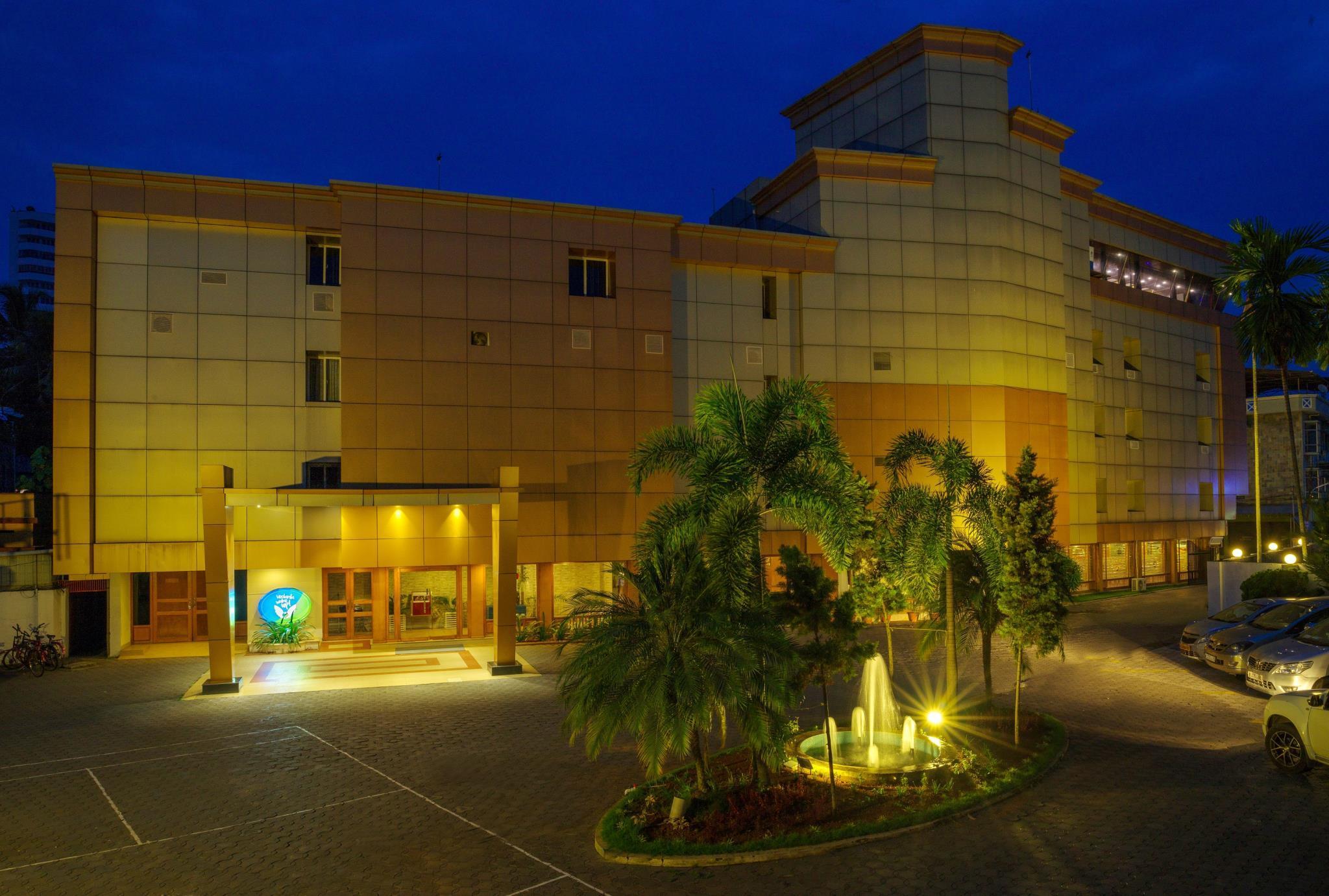 Hotel Vedanta Wake Up   Ernakulam