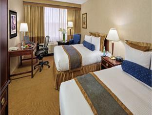 Sheraton Lisle Naperville Hotel