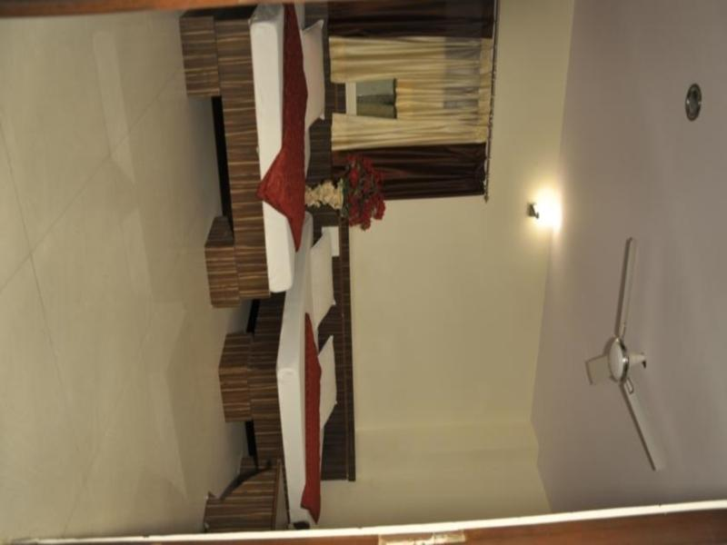Price Hotel Akash Deep