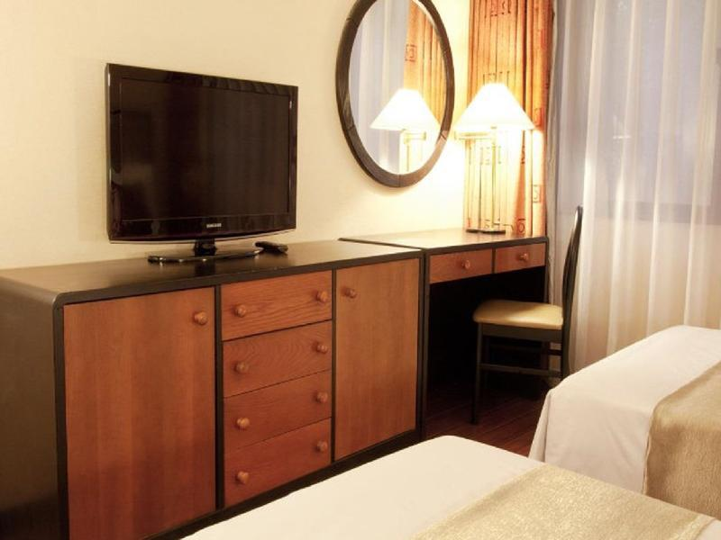 1 Bedroom Suite Twin Bed