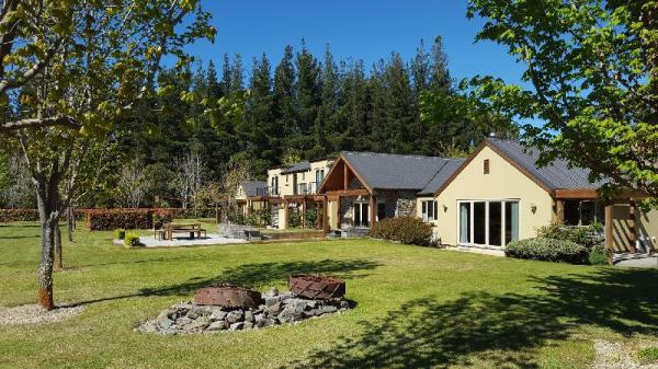 Maple Lodge Luxury Bed & Breakfast Wanaka