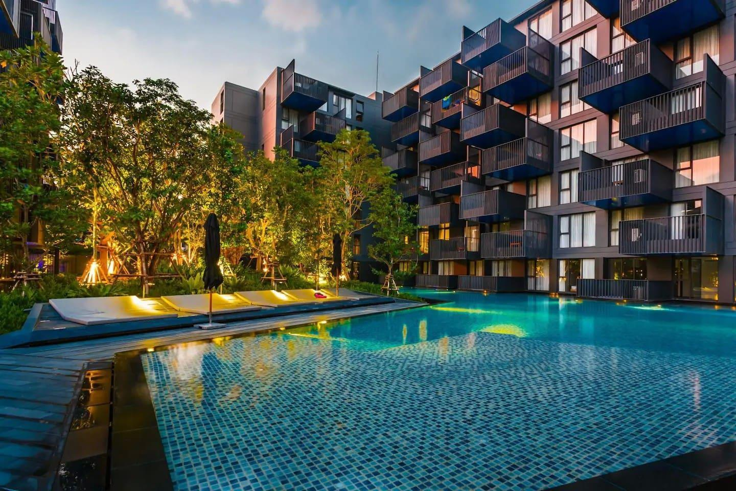 One Bedroom And Roof Top Pool At Patong Beach  D68