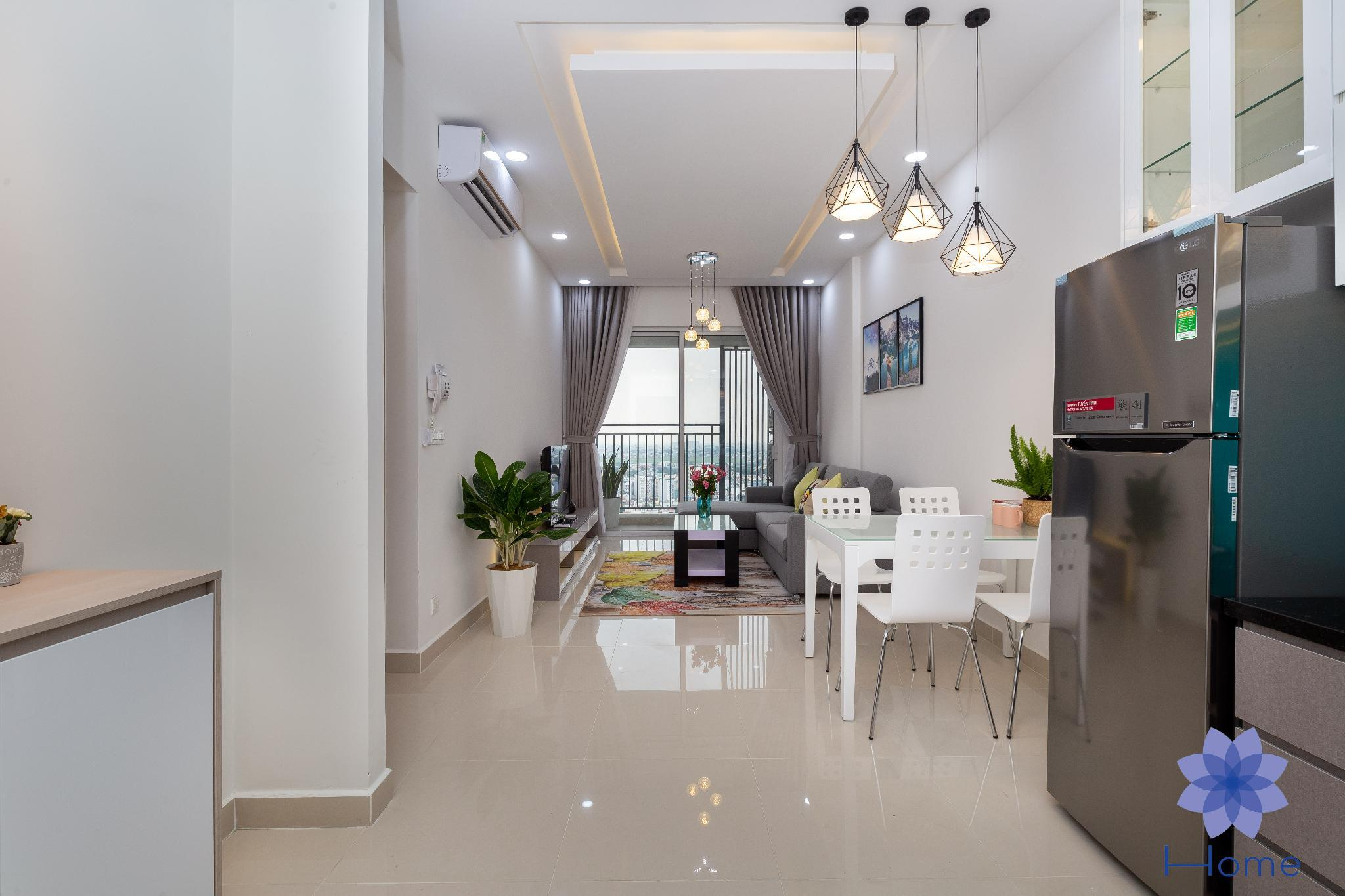 Bright Home W  Free Gym And Pool And Airport Pick Up.