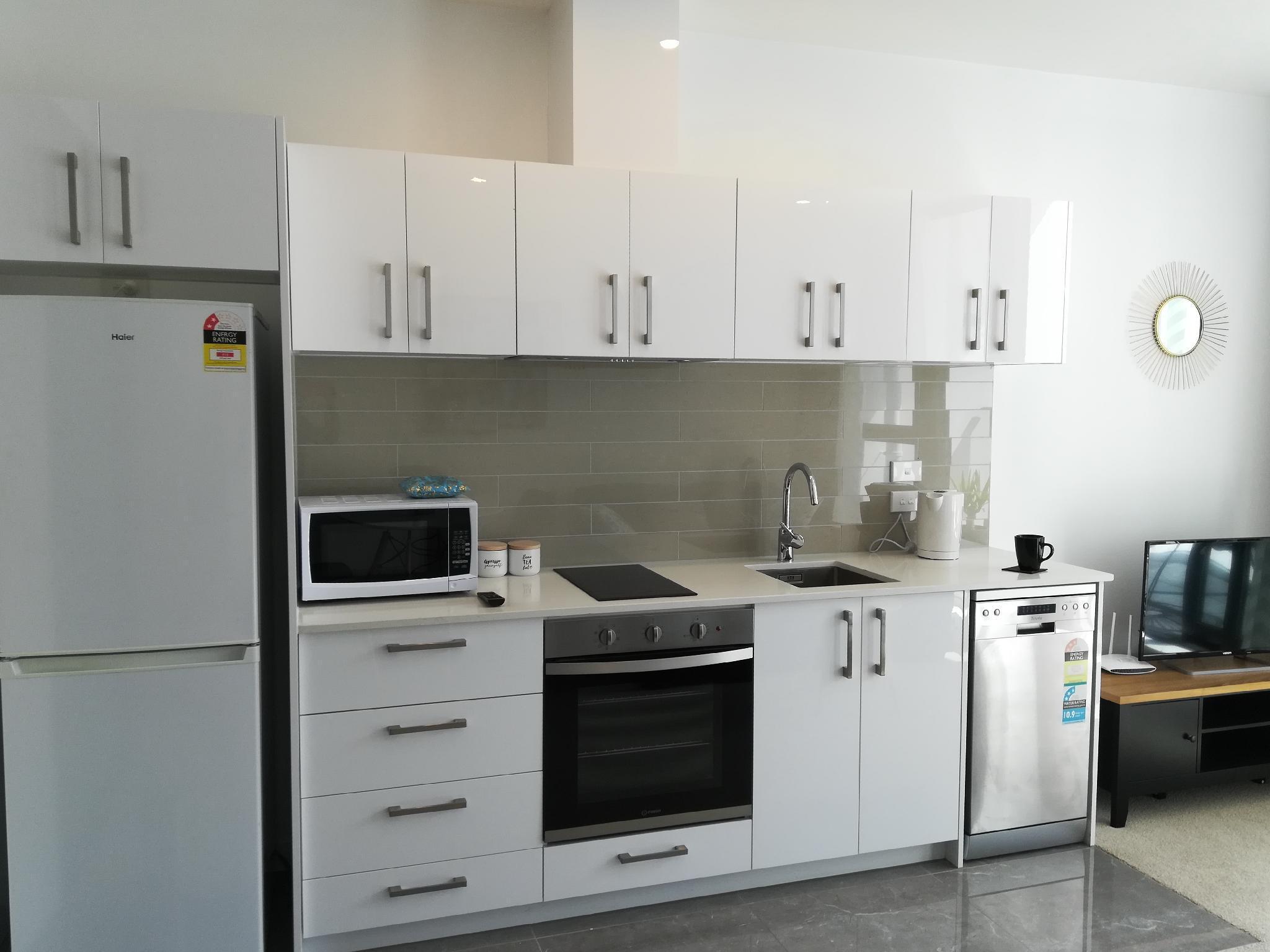 Brand New Cozy Apartment Near University