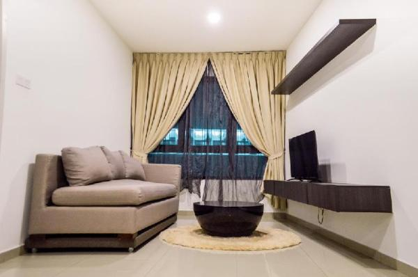 Cosy and Private 1 Bedroom Near Central i-City Shah Alam