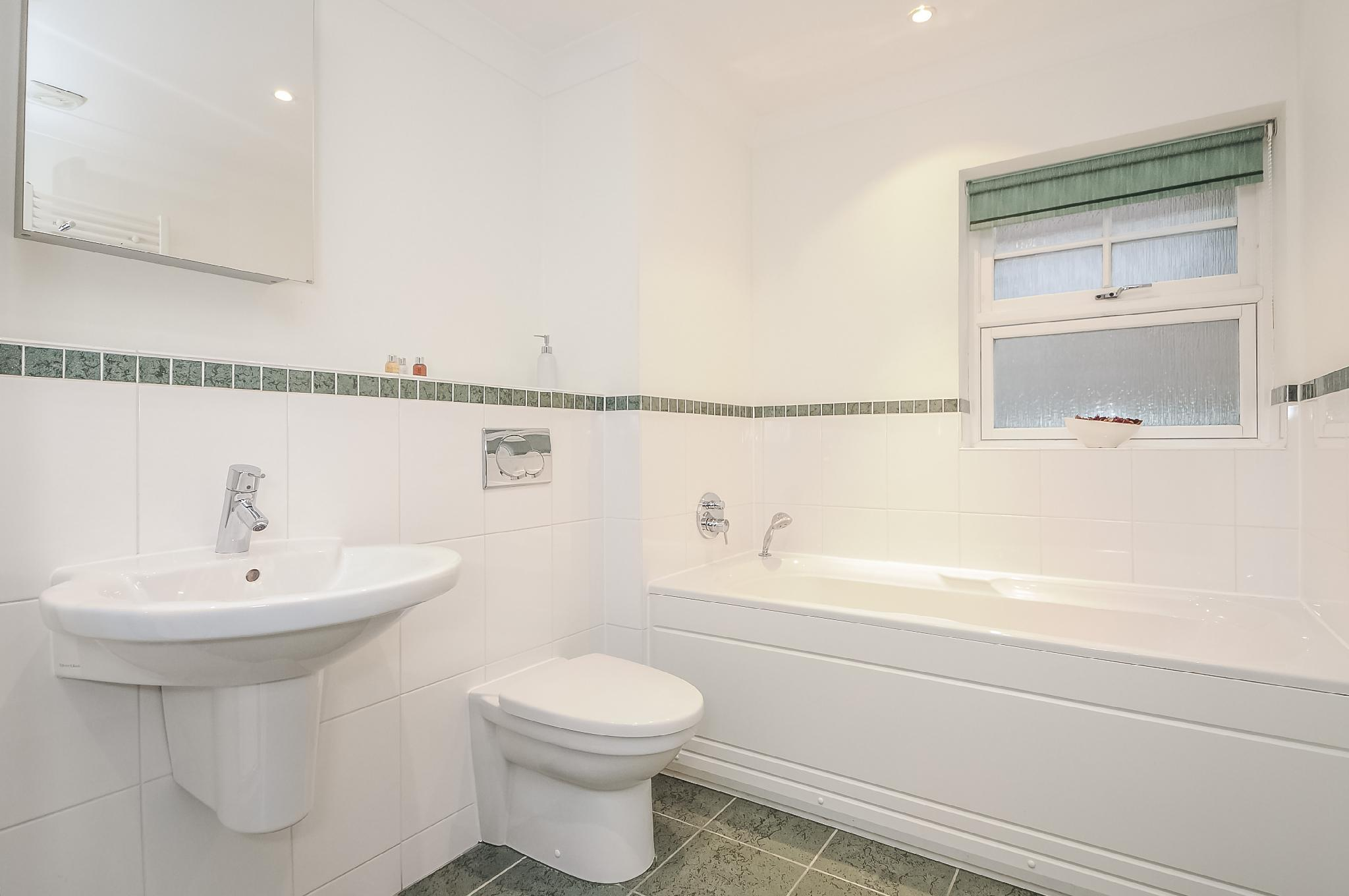 Righton Serviced Apartment In Summertown  oxjiejw
