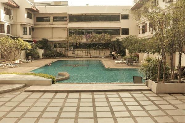 Swimming Pool in stylish apt on Ninman Chiang Mai