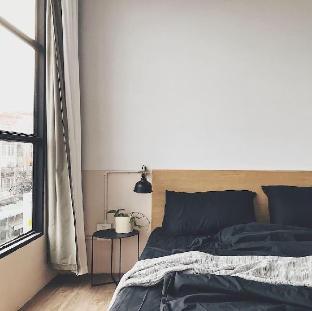 [ドンムアン空港](30m2)| 1ベッドルーム/1バスルーム Beige Poshtels Grayscale room near DMK