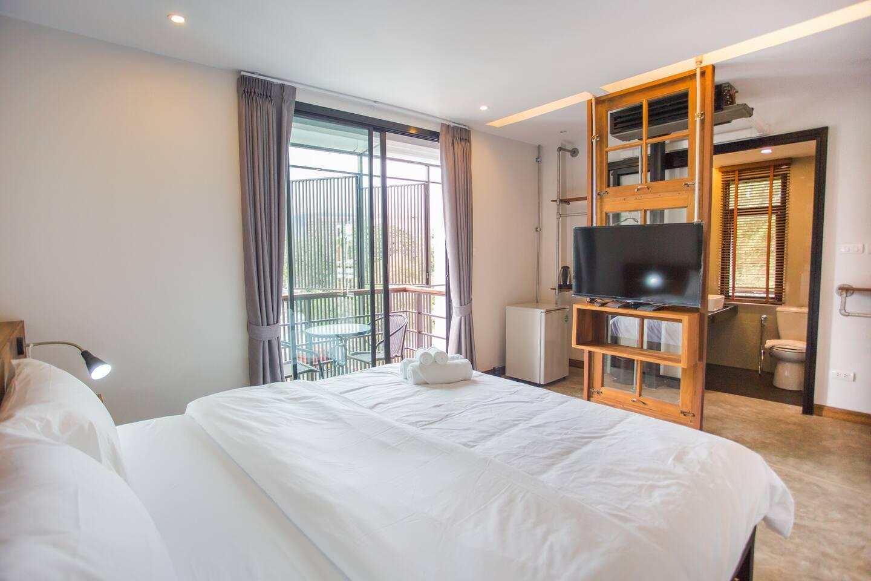 Cozy Room & Nice Location With Breakfast