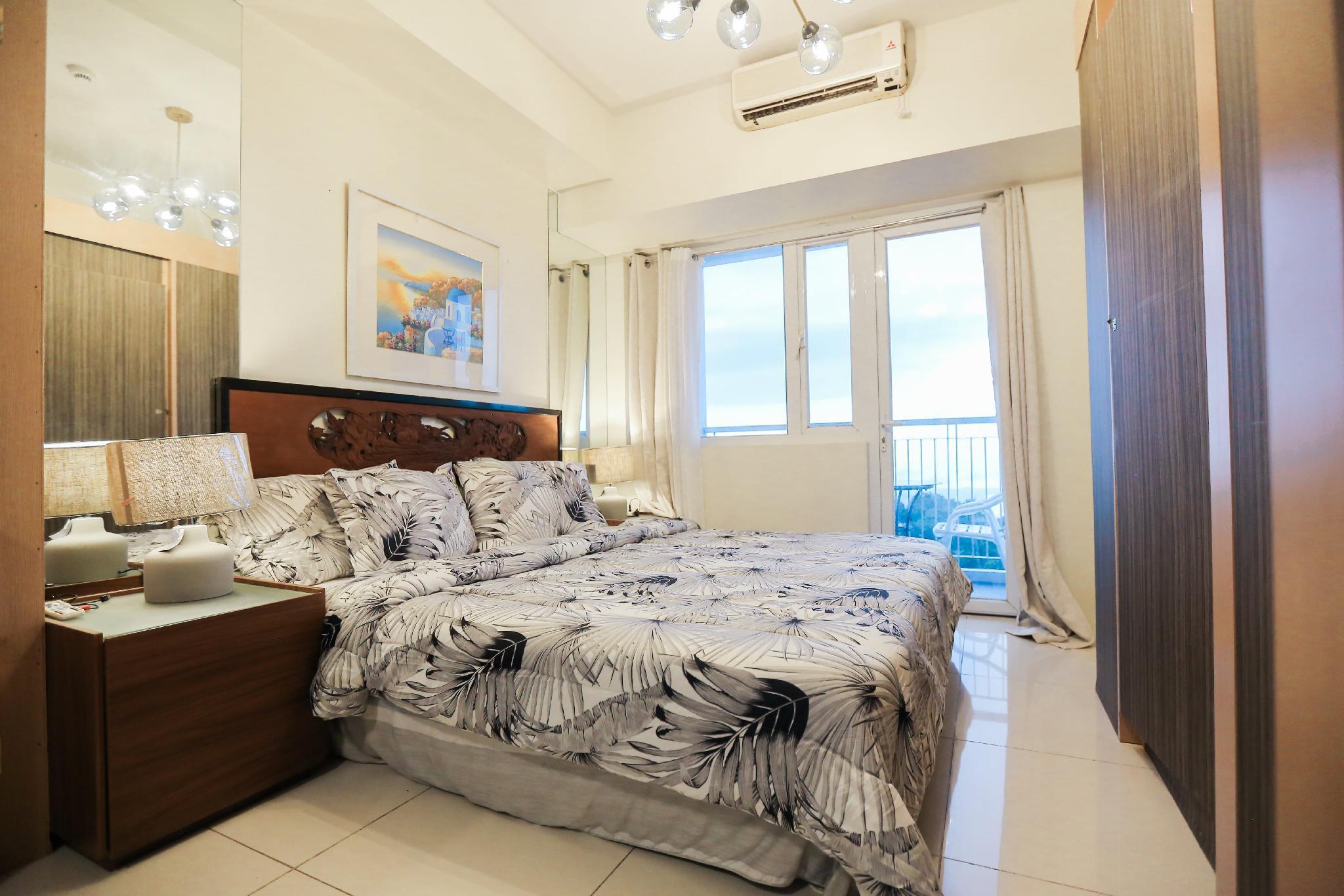 A2JSuites SMART Luxury Taal View Suite W  Balcony