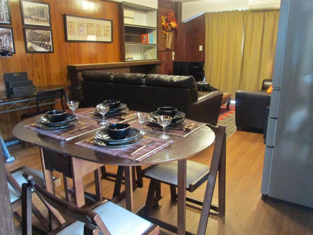 Deluxe Apartment Hotel With  2 Bedroom Suites