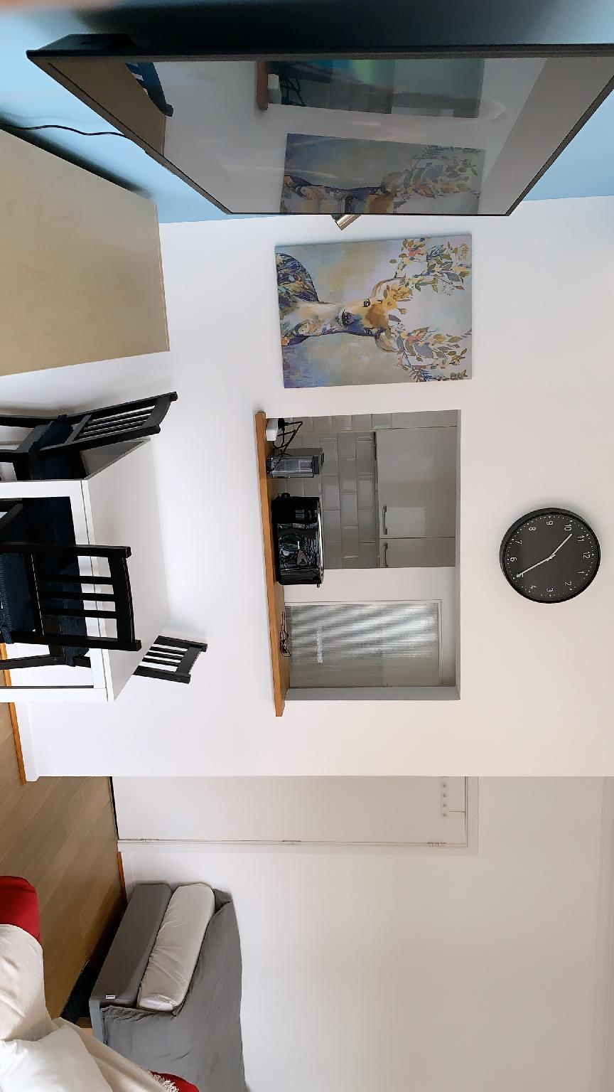 Studio Modern And Quiet