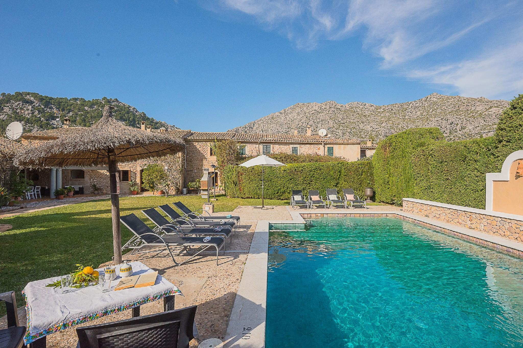 L'HORT- charming,traditional stone house with pool