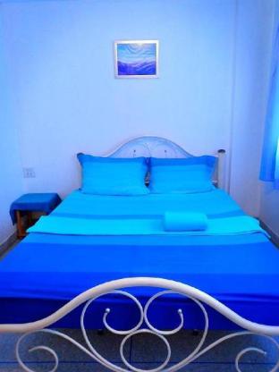 Thasanee Hotel 5 Fan Room 1 ห้องนอน 1 ห้องน้ำส่วนตัว ขนาด 30 ตร.ม. – กลางเมืองหัวหิน