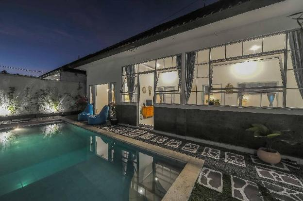 3 BR Tropical Designed Villa Near Seminyak