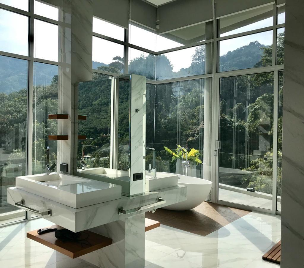Ultra Sky Villa Penthouse