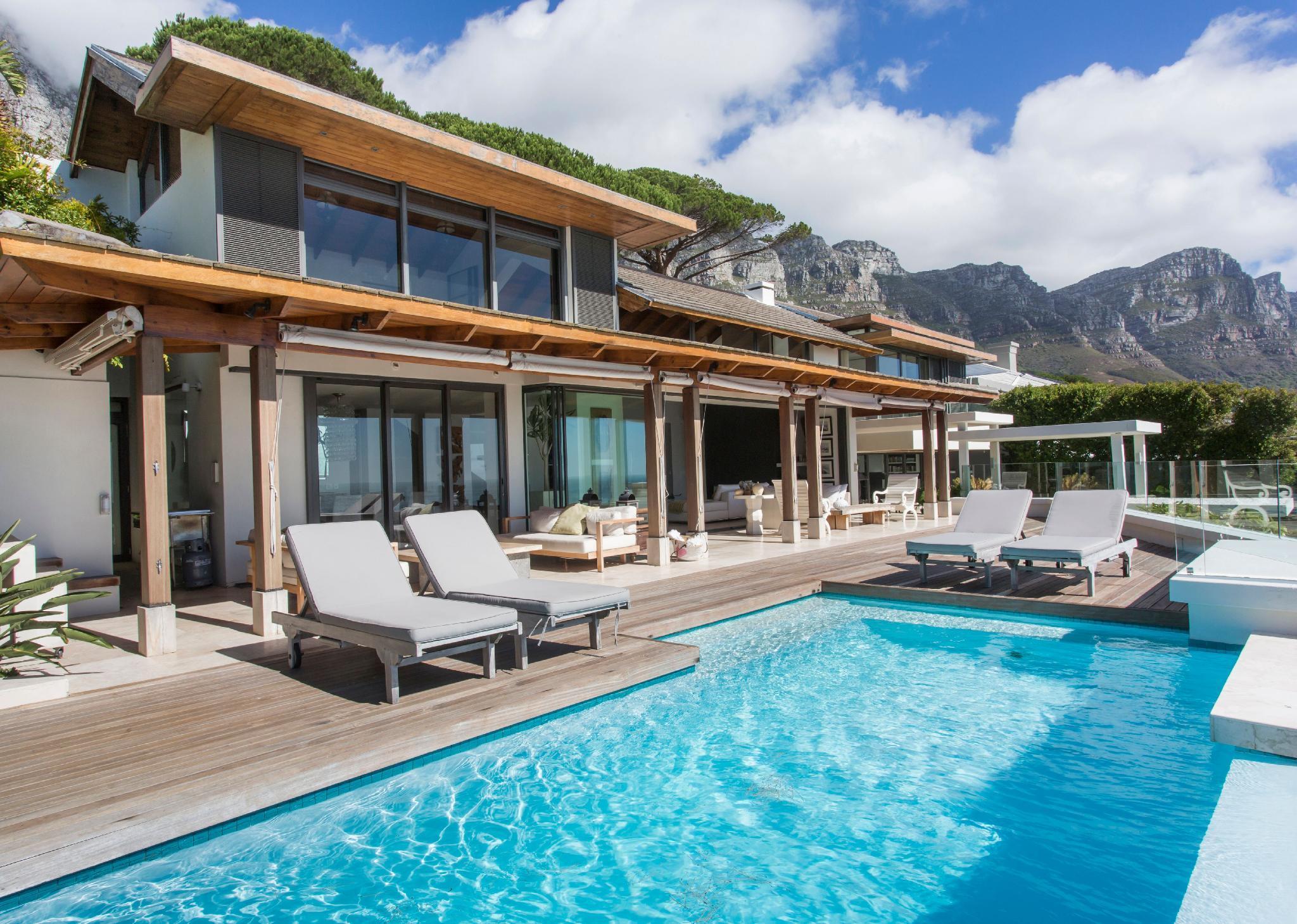 Elegant 4 Bedroom Ava Villa In Camps Bay