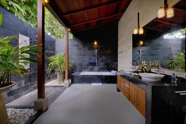 KW 5BR Quite & Peaceful Large Private Villa