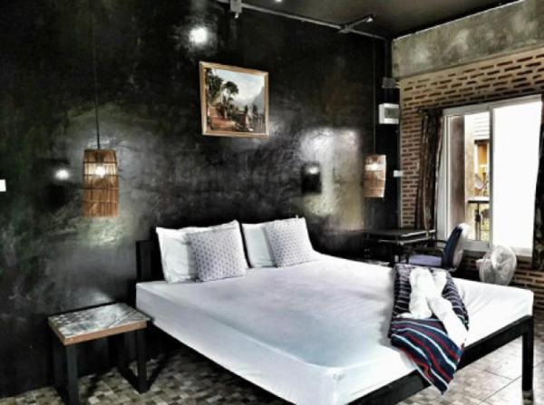 102 Residence - Superior Room & Pool Chiang Mai