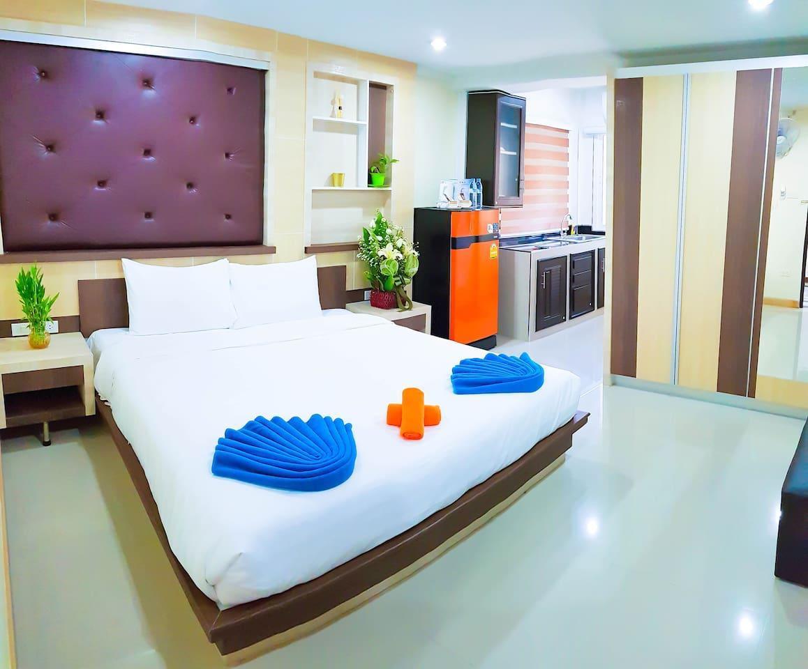 Ambrosial Suites Deluxe Room WalkingStr