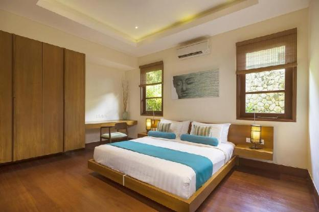 1BR king bed with sea view