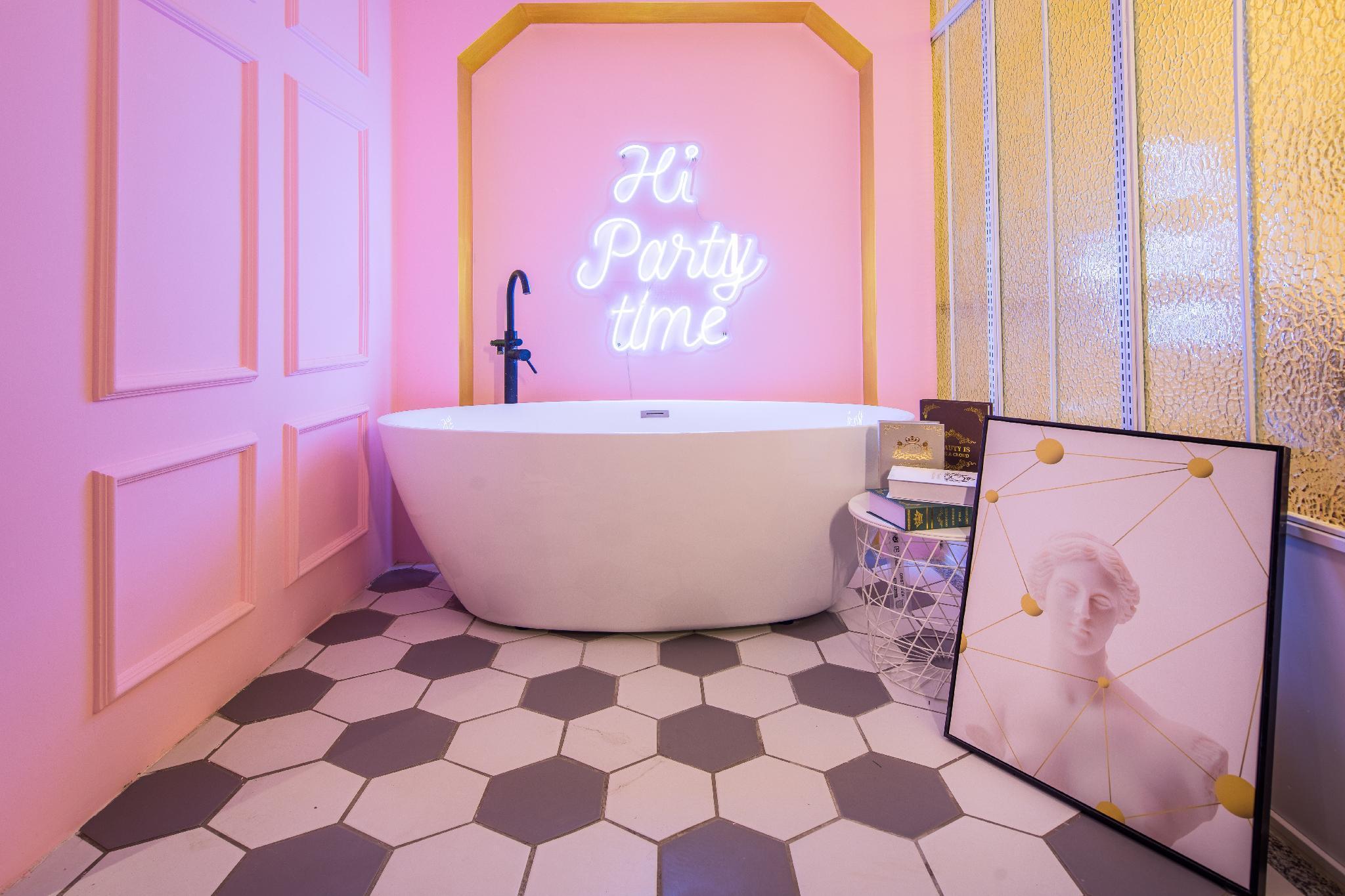 HYY apartment with bathtub
