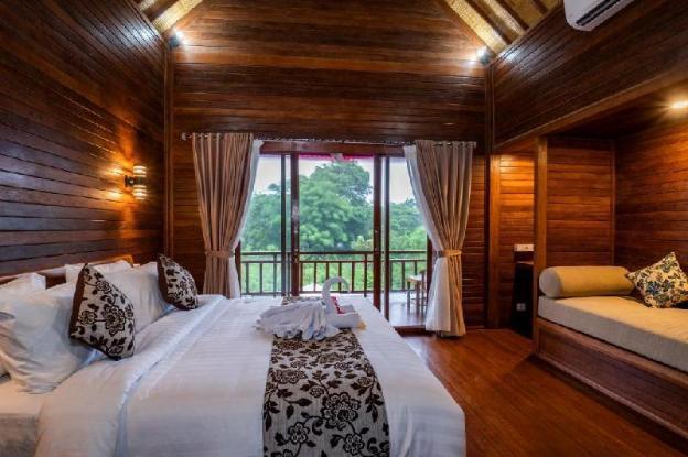 Deluxe Wooden Bungalow at Lembongan