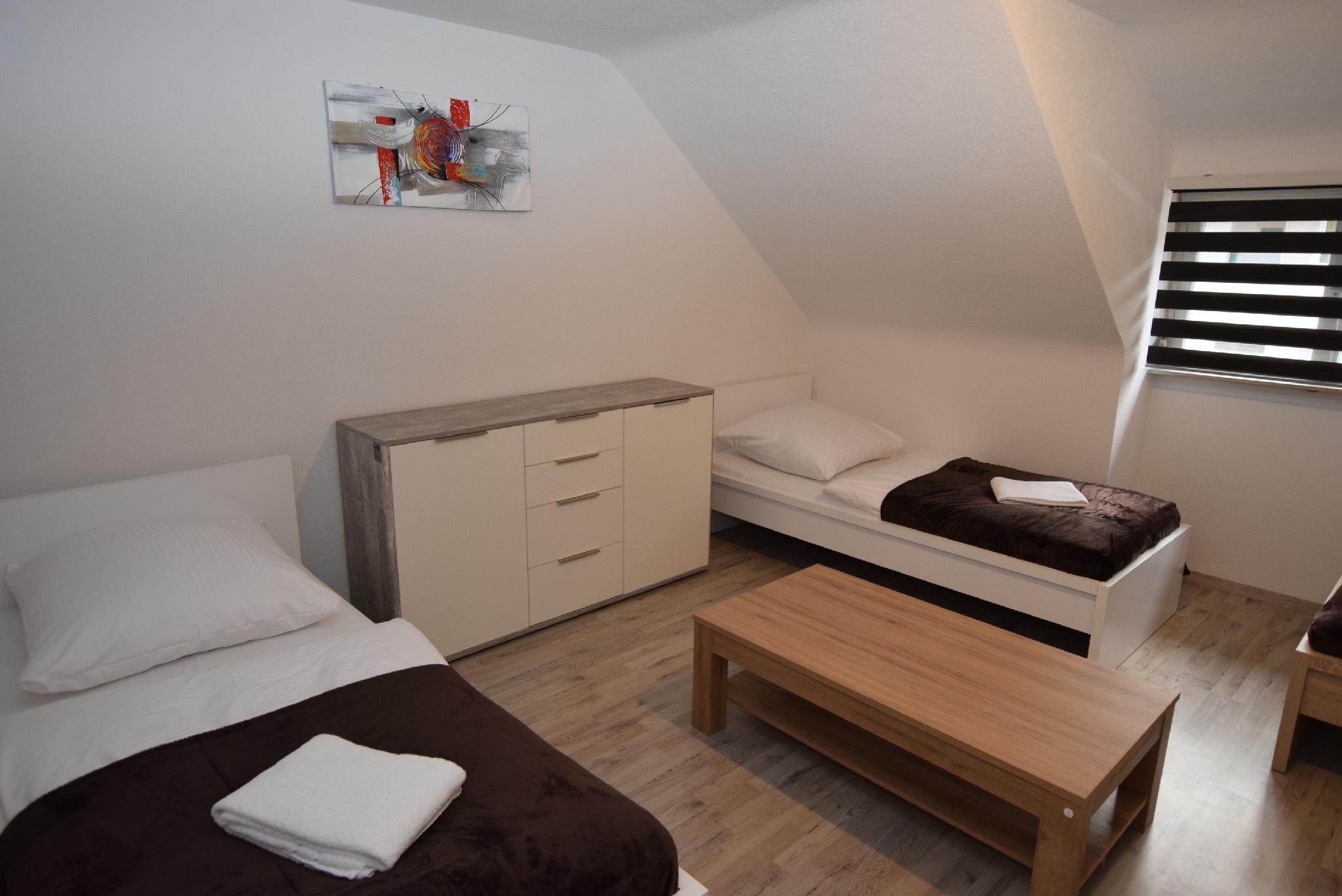 AB Apartment 21