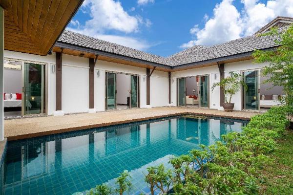3-4 bedr. villa in secure est. 2km Nai Harn beach Phuket